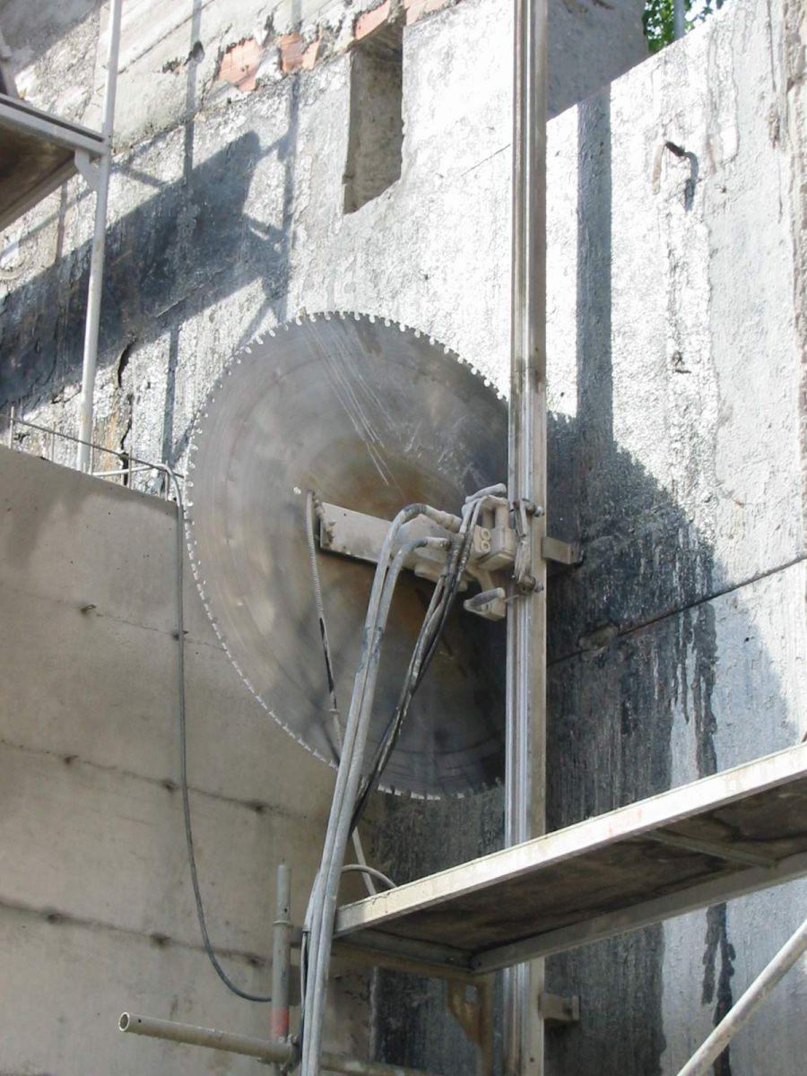 Demolizione Scala In Cemento Armato taglio di cemento armato | betonmax s.r.l.